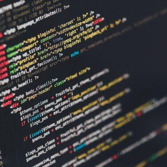Schakel de hulp in van een advocaat internetrecht